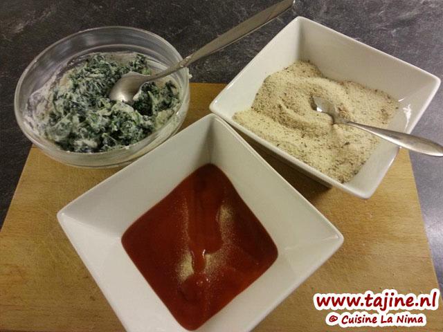 Je mengsel tomatensausje met wat knoflookpoeder vind ik persoonlijk heeeel lekker! Paneermeel heb ik wat Provençaalse kruiden er door heen gedaan. En de ricotta met spinazie..