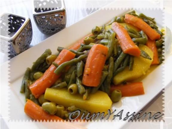 Stoofschotel met vlees en verschillende groenten