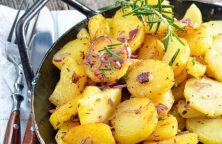 Aardappelschijfjes in een koekenpan of wok - Marmita