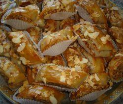 Baklava met amandelen en walnoten