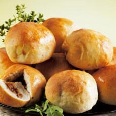 Minibroodjes gevuld met pikante kip