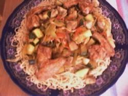 Noedels met kip en groente
