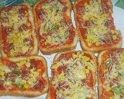 Gemakkelijke en snelle broodpizza's