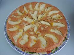 Appelcake gevuld met walnoten