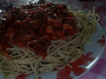 Spaghetti met zelfgemaakte pastasaus