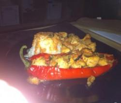Gevulde zoete paprika met kip en rijst
