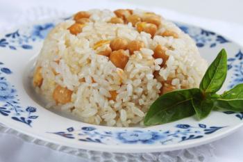 Nohutlu Pilav (Rijst met kikkererwten)