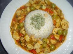 Rijst met kip in tomatensaus