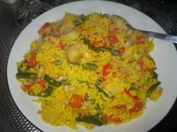 Rijst met vis en groenten