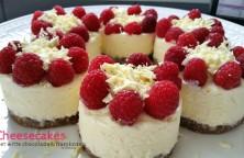 Mini cheesecakes met witte chocolade en frambozen