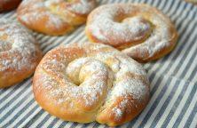 Ensaimadas - Spaanse opgerolde zachte en luchtige zoete broodjes