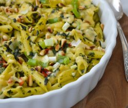 Pastaovenschotel met kip en spinazie recept