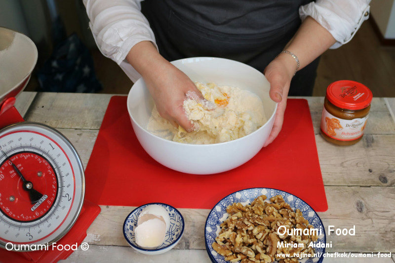 Lang houdbare walnootkoekjes ingredienten mengen tot mooi deeg