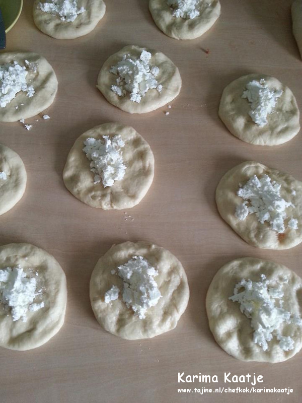 Super zachte Turkse broodjes met kaasvulling