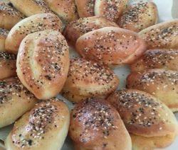 Super zachte Turkse broodjes met verschillende vullingen