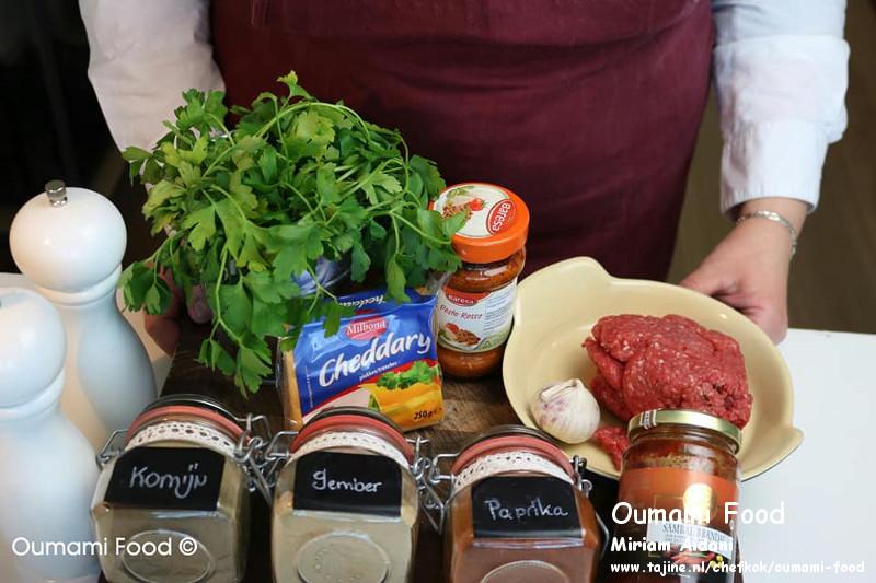 Gehaktbroodjes met pesto en cheddarkaas ingrediënten gehakt