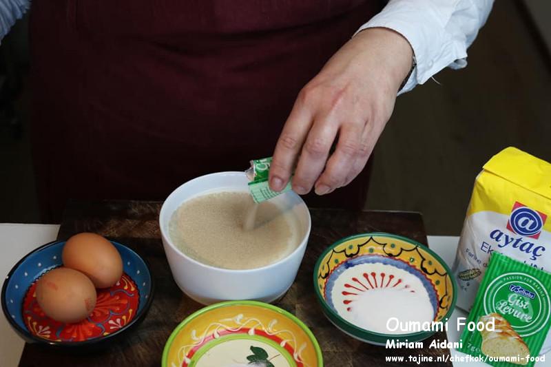 Gehaktbroodjes met pesto en cheddarkaas deeg ingrediënten mengen