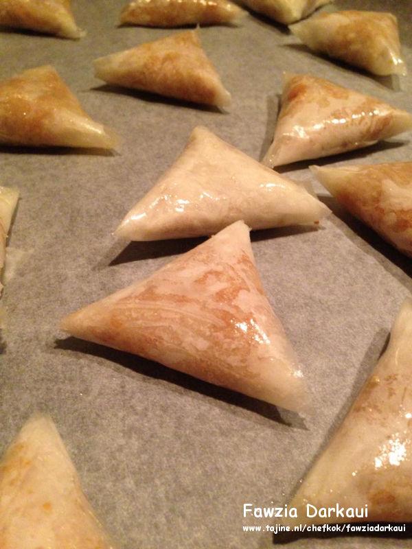 Marokkaanse Briwat be louz - Amandeldriehoekjes oven